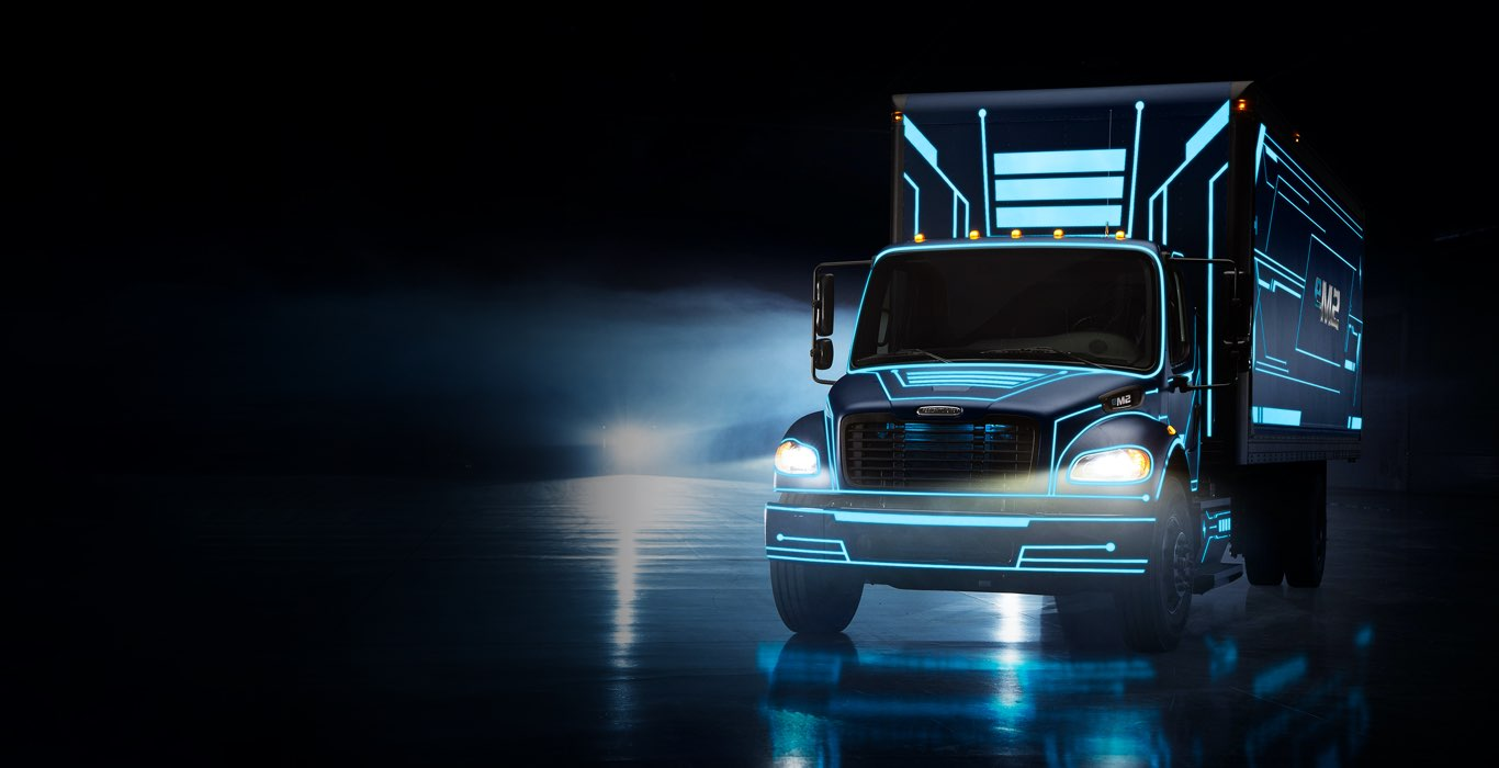 Freightliner eM2 from electric to consumer image