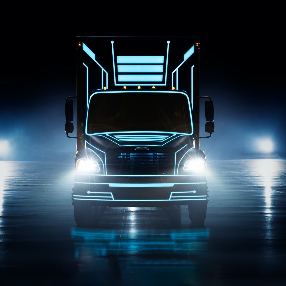 Freightliner eM2 think outside the box truck image